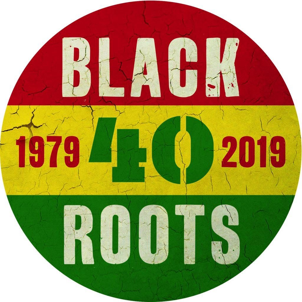 Button Black Roots 40 Year Round
